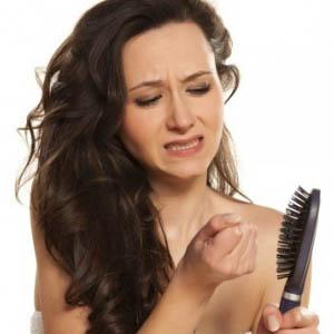 Что трихологи рекомендуют делать при выпадении волос