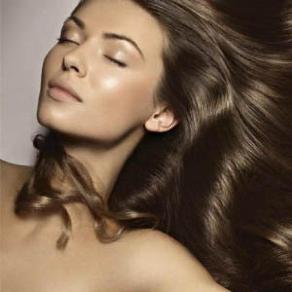 Обзор масок для придания блеска волосам