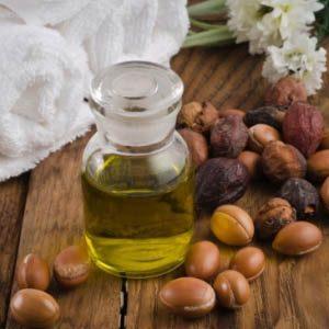 Какие масла лучше и полезнее для волос?