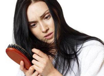 Сильная потеря волос – причины и способы лечения